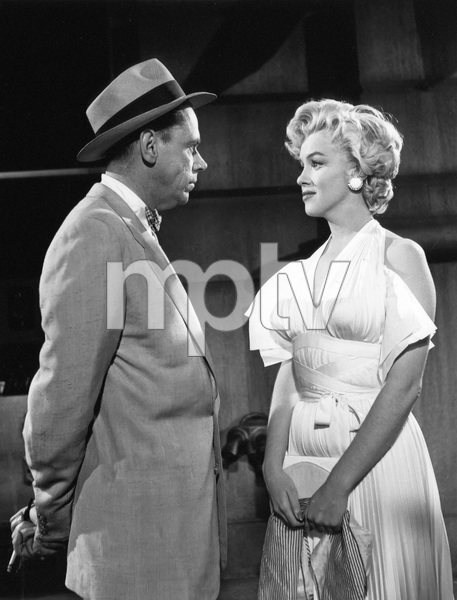 """The Seven Year Itch""Tom Ewell, Marilyn Monroe1955 20th Century Fox** I.V. - Image 9554_0073"
