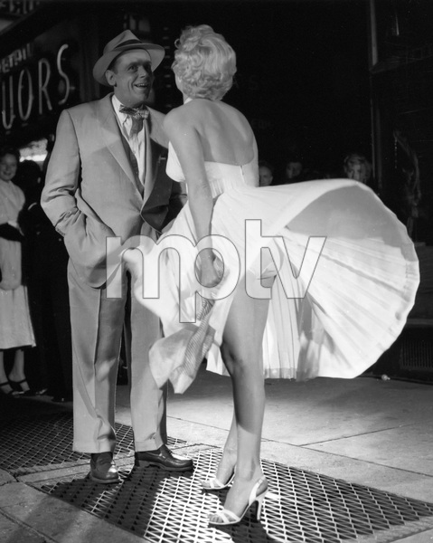 """The Seven Year Itch""Tom Ewell, Marilyn Monroe1955 20th Century Fox** I.V. - Image 9554_0084"