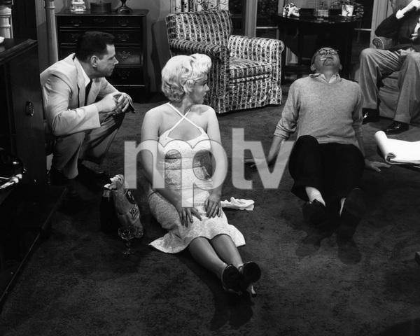 """The Seven Year Itch""Tom Ewell, Marilyn Monroe, director Billy Wilder1955 20th Century Fox** I.V. - Image 9554_0087"