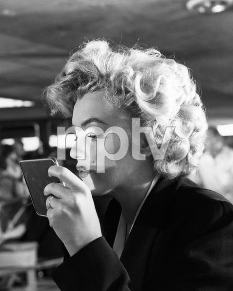"""Niagara""Marilyn Monroe1953 20th Century Fox** I.V. - Image 9558_0040"