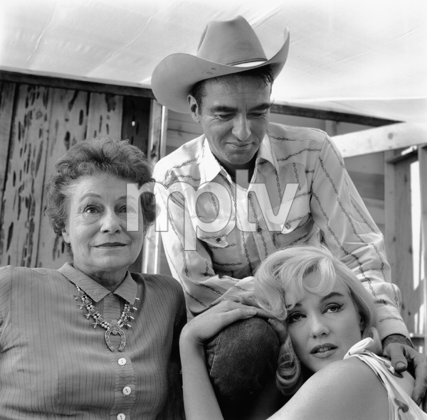 """The Misfits""Thelma Ritter, Montgomery Clift, Marilyn Monroe1961 United Artists - Image 9559_0072"