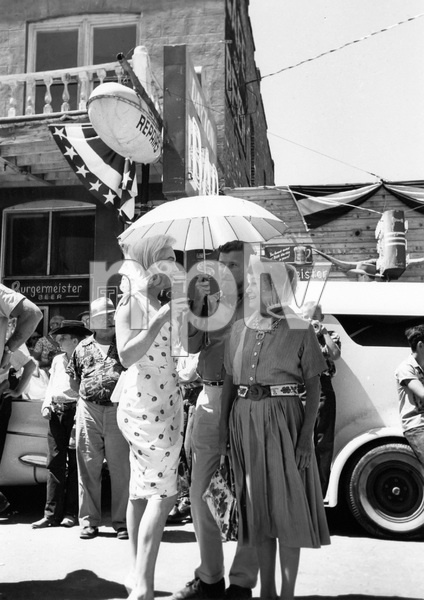 """The Misfits""Marilyn Monroe, Thelma Ritter1961 MGM** I.V. - Image 9559_0084"