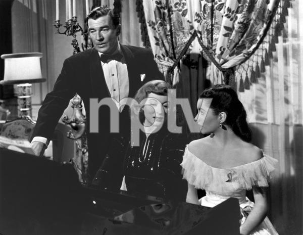 """Julia Misbehaves""Walter Pidgeon, Greer Garson, Elizabeth Taylor1948 MGM**R.C.MPTV - Image 9602_0001"