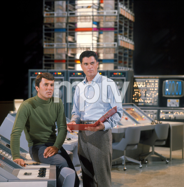 """""""The Time Tunnel""""James Darren and Robert Colbertc. 1966 / ** I.A. © Irwin Allen Properties, LLC and Twentieth Century Fox Film Corporation. All rights reserved - Image 9631_0015"""