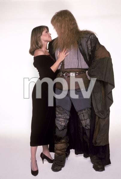 """Beauty and the Beast""Linda Hamilton, Ron Perlman1987 © 1987 Mario Casilli - Image 9844_0022"