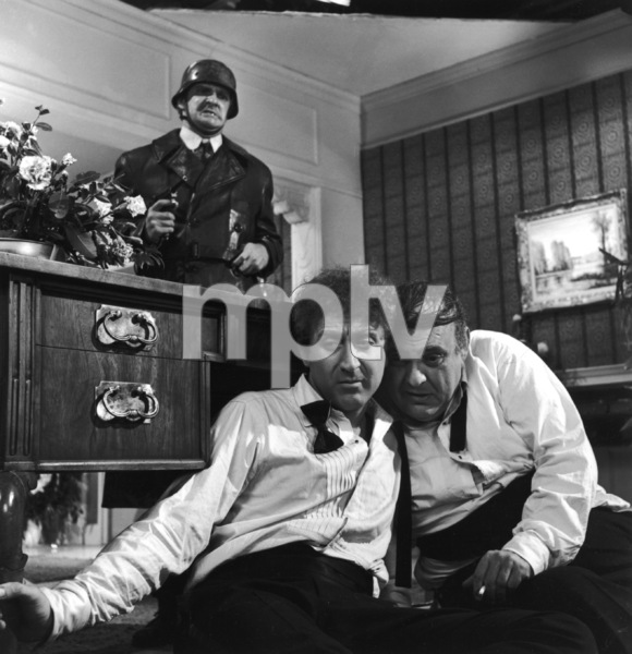 """The Producers""Kenneth Mars, Gene Wilder, Zero Mostel1968 MGM**I.V. - Image 9899_0030"