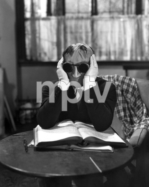 """The Invisible Man""  Claude Rains 1933 Universal ** I.V. - Image 9956_0004"